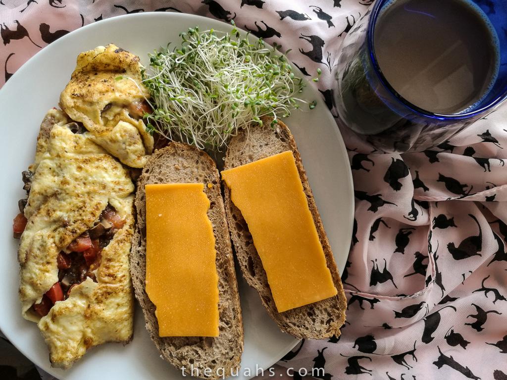 tomato mushroom omelette